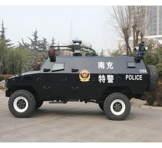 """""""虎士""""装甲驱散车侧视图"""