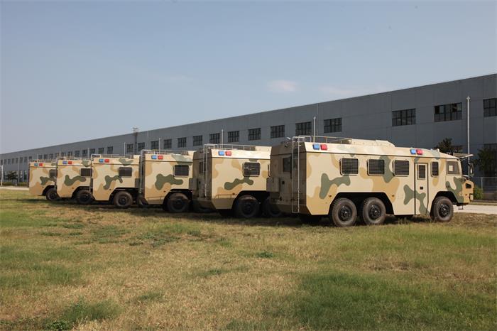 沙漠迷彩边防巡逻车